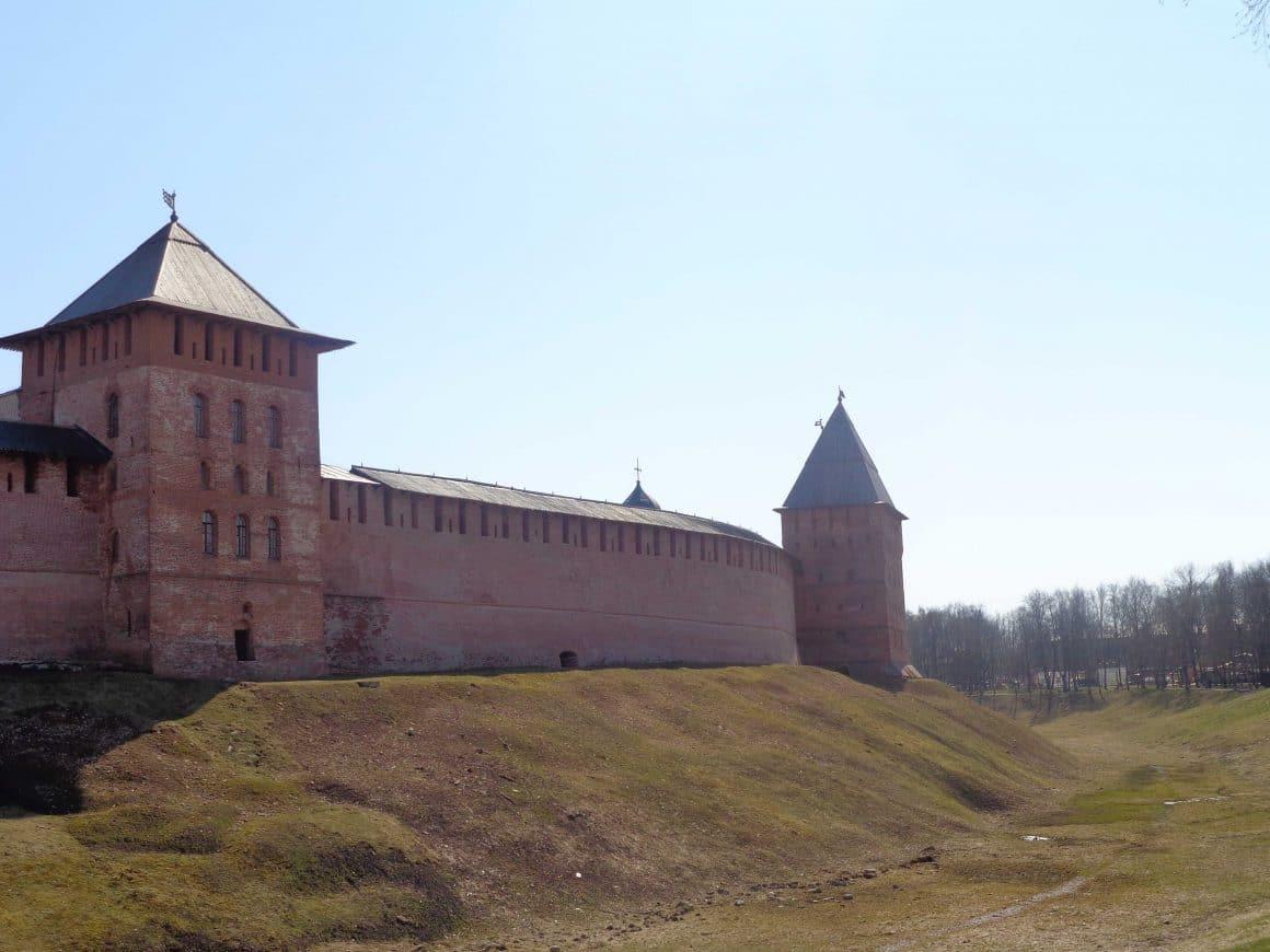 Novgorod kremlin wall