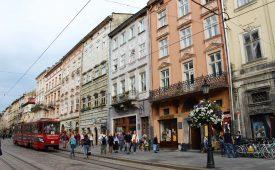Reisdagboekje Oekraïne II: poepluiers en spuiten rapen