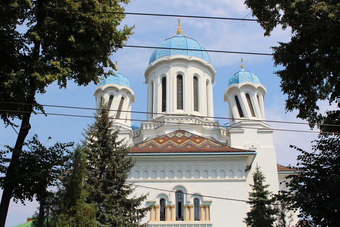 Chernivtsi drunk church
