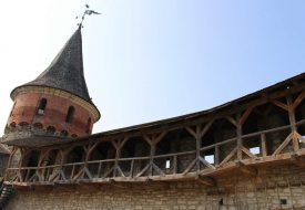 Wachttorens en street art in Kamjanets-Podilsky