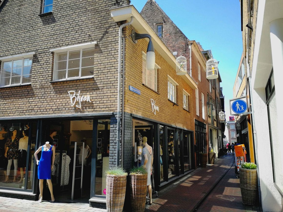 Papagaaistraat centrum Goes