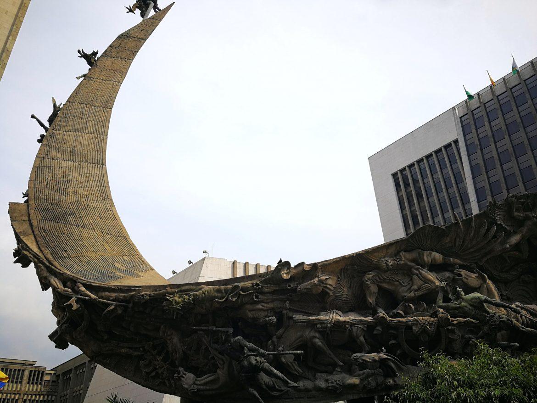 Monumento de la Raza Medellin