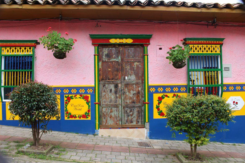 guatape colombia kleuren
