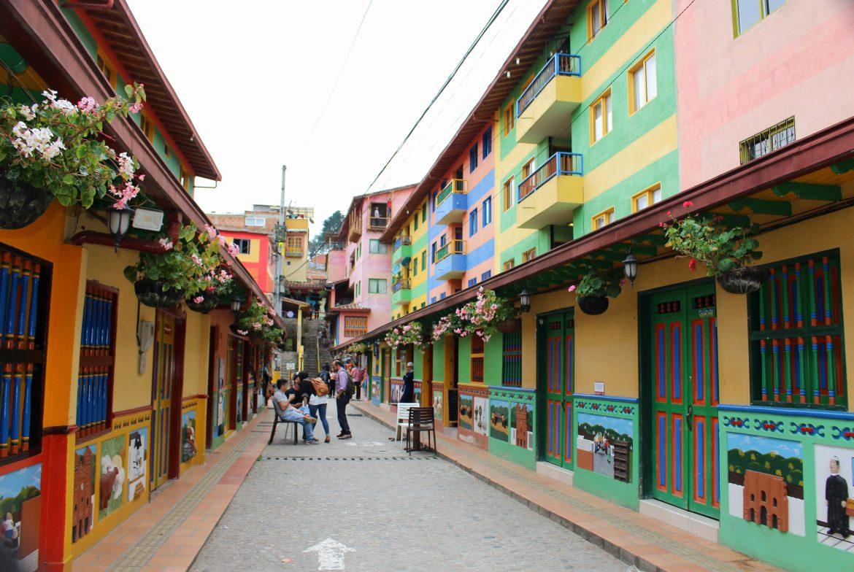 guatape colombia straten
