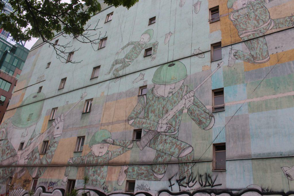 street art Blu
