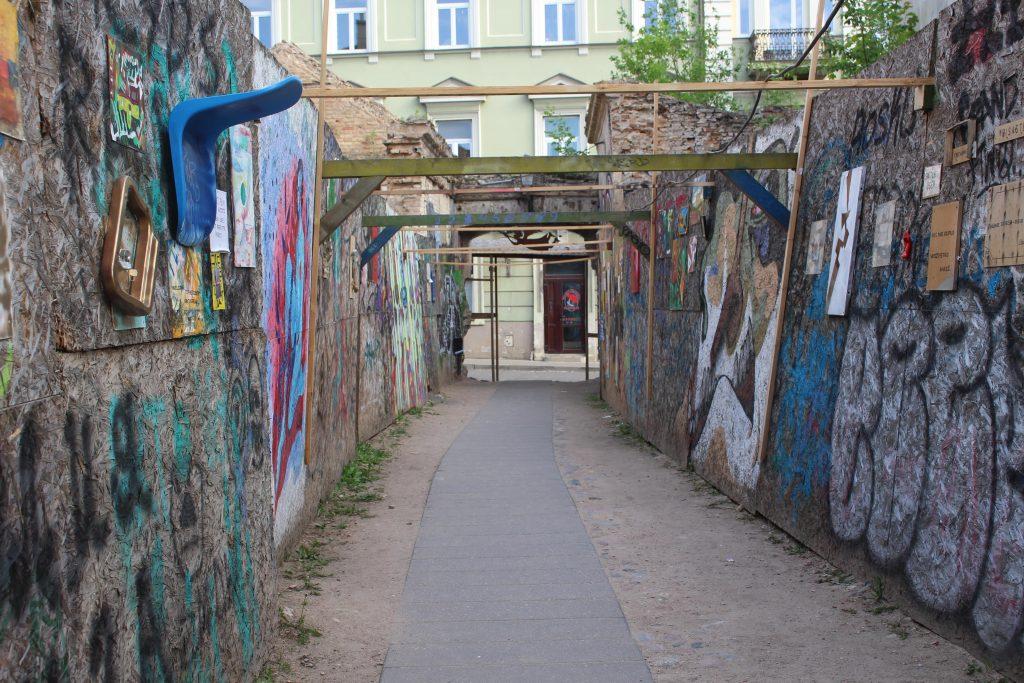 Street art steeg Uzupis