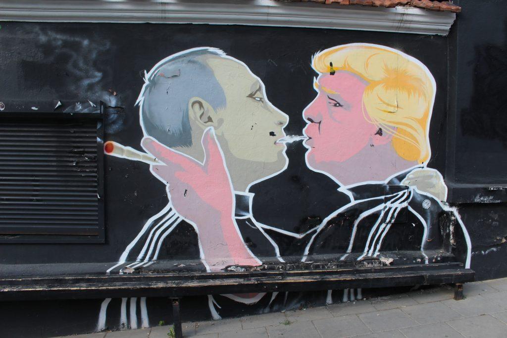 Vilnius Trump Putin painting